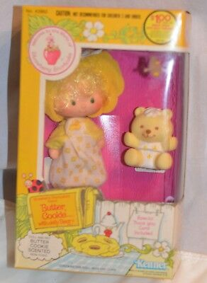 Vintage Strawberry Shortcake Butter Cookie Doll with Jelly Bear Pet 1982 Sealed