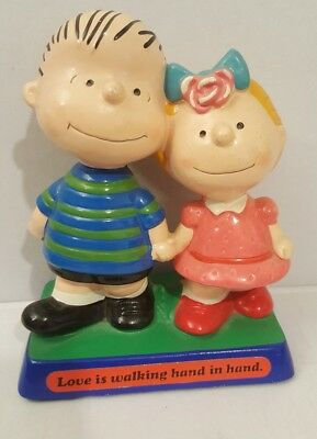 Charlie Brown and Lucy statute