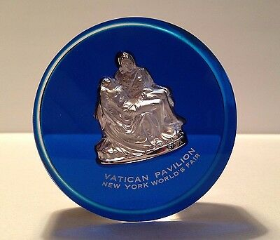 1964-1965 New York World's Fair Vatican Pavilion Pieta Paperweight