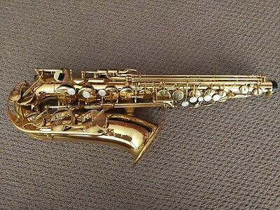 Yamaha Alto Saxophone YAS-275 including case, books and accessories.