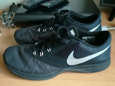 Nike Gym Trainers (not nike air)Size 9.5 UK fit a 9 also Excellent Condition