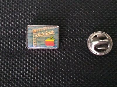 very RARE VINTAGE 1980's pin's logo CLUB APPLE, the famous computer brand