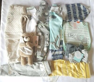 Lot of Boys Clothes size NB 0-3 3 Months Bibs Outfits Bear 16 Pieces Cute New
