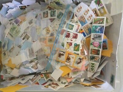 Over 1kg of Mixed USED Australian Stamps Bulk Kiloware, Close Cut,
