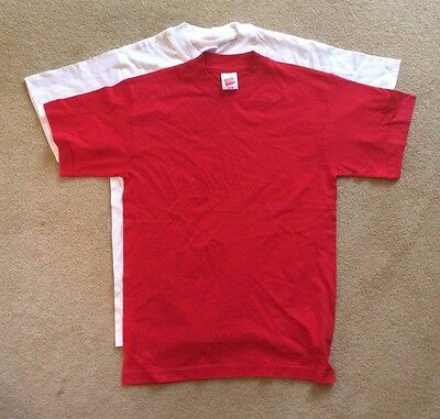 "BRAND NEW Hanes ""Top T"" mens t-shirt - size S - available in white and red -"