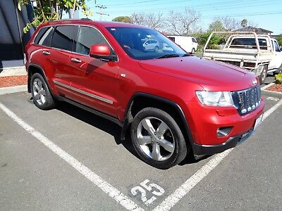 Jeep Grand Cherokee 2011 Overland V8 Fully Optioned