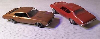 LOT OF 2 Vintage 1/25 Scale Promotional Model Cars 1970 GTO & 1971 OLDS 442