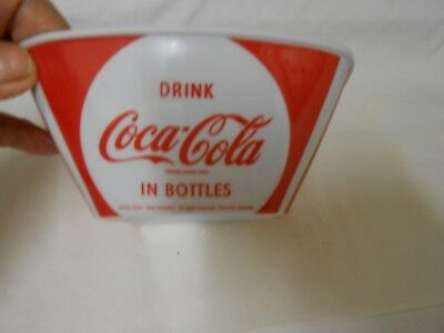 Coca Cola Square Cereal/soup Bowls Melamine By Gibson Red & White