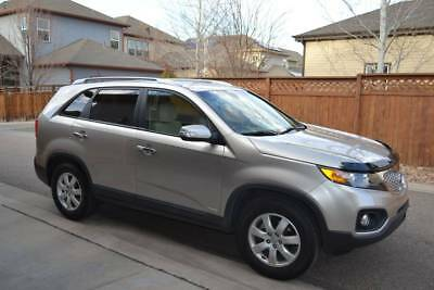 2012 Kia Sorento LX 2012 Kia Sorento LX AWD with low miles!