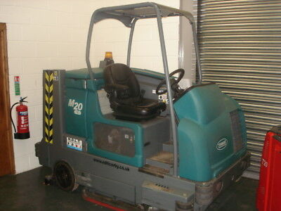 Tennant M20 integrated rider sweeper/scrubber. (£11,500 + VAT).