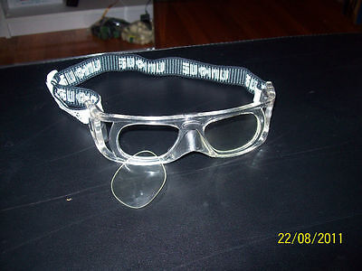 Lens or lensless eye protection racquetball goggles