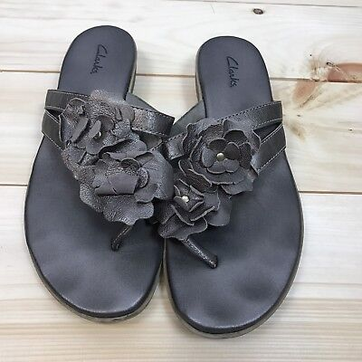8e705a7380662 CLARKS BENDABLES SILVER Brown Leather Flower Thong Flip Flop Sandals ...