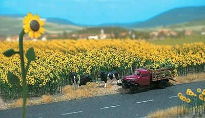Busch Gmbh and Co Kg - Sunflower Field - Parts for 60 Flowers w/Bases - HO