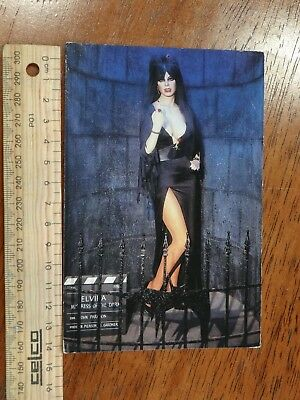 1 x ELVIRA MISTRESS OF DARKNESS POSTCARD OR3