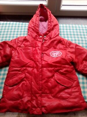 Manteau rouge 9m