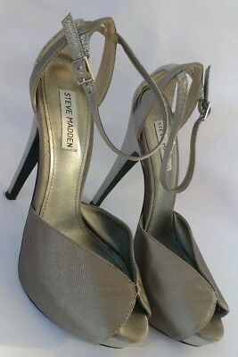 3d72ecfd35f STEVEN MADDEN TIA Gray Fabric Platforms Stilettos Heels Formal Sandals Size  10