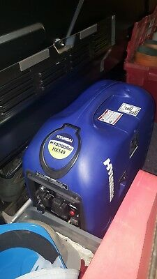 Hyundai HY3000SEi 2.8 kW Electric and Remote Start Petrol Inverter Generator UK