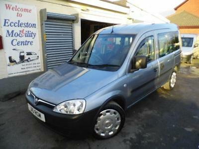 Vauxhall Combo wav wheelchair access accessible disabled car vehicle