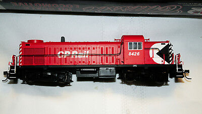 Atlas Canadian Pacific Alco RS3 #8426 (TFS122)
