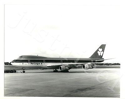 """8"""" x 10"""" Black & White Photo An Aer Lingus Jet Attached To A Pushback Tug"""