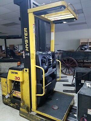 Hyster electric forklift R30XMS order picker with battery. 2 available
