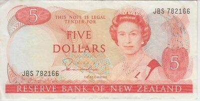 New Zealand Banknote P171a-2166 5 Dollars Signature Hardie, QE II, VF+