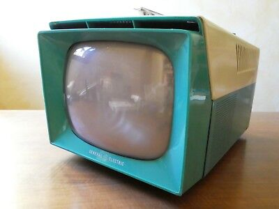Vintage 1957 General Electric Portable Television Turquoise & Off White  9T002