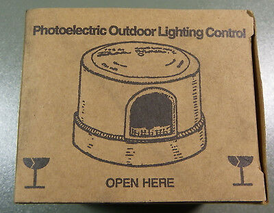 Fisher pierce photoelectric control 1000w 105 350v fp7790b new fisher pierce photoelectric outdoor lighting control ob214 mozeypictures Image collections