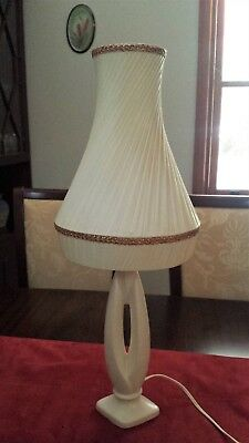 Gorgeous Vintage C1960's White Table / Desk Lamp With Its Original Ribbon Shade