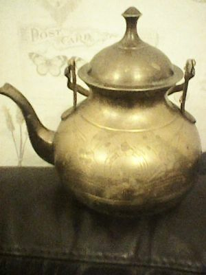 Brass Teapot Lid Rise Fall Handle Several Cups 18Cm Diameter Arts & Crafts Style