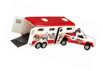 Breyer Stablemates Animal Rescue Truck and Horse Trailer Vehicle