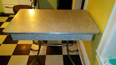 vintage retro kitchen table 50's cracked ice Formica tob
