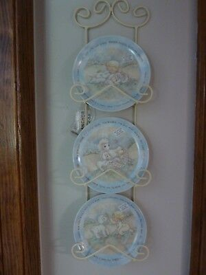 Precious Moments Baby Plates In Display Rack - New - Lamb Theme - Very Cute!
