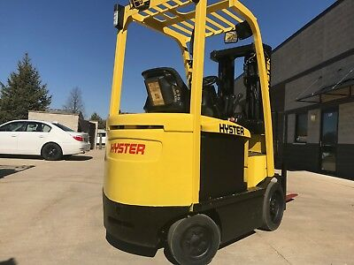 2011 Hyster 5000 Pound Forklift-WE WILL SHIP-Fresh paint-Budget-Lifts 15 feet