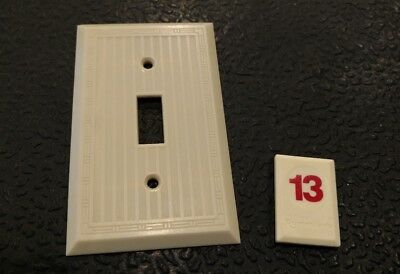 1 Ivory Vtg Bakelite ? Ribbed Border Deco Single Gang Switch Plate Cover - B13