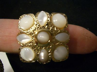 St John Knit Sz. 8 Ladies Gold Tone  Designer  Ring White Mother Of Pearl Stone