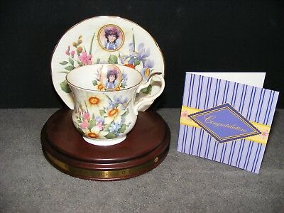 1996 Avon Honor Society Mrs PFE Albee China Teacup & Saucer Flowers 22k Gold