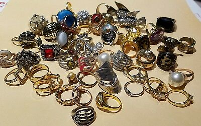Large Lot Of VTG MOD Costume Rings Cocktail Fashon Jewerly Diff Sizes Styles