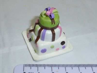 1:12 Scale Three Tier Cake  Dolls House Miniature Accessory