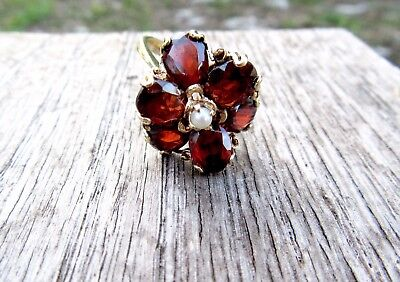 14K  Flower Shaped Large 6  Garnet Ring With Center Pearl 6.9Gm Size 8