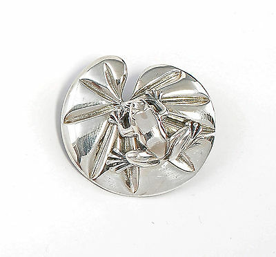 925 Silver Brooch Frog on Lily pad a8-01611