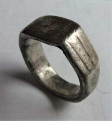 Disclaimed Treasure - Roman silver finger ring (see all images)