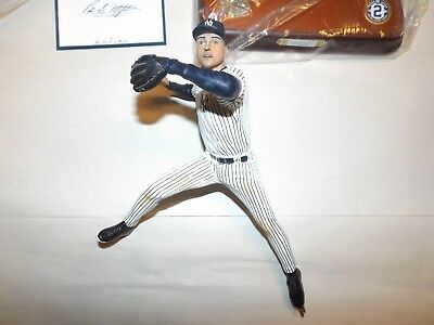 Derek Jeter fielding Danbury Mint figurine new gem condition NY Yankees