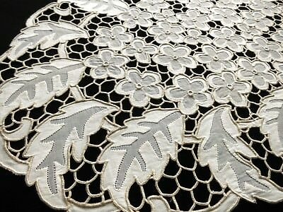 RARE, LOVELY Vintage MADEIRA Cutwork Hand Embroidery 16pc Set Placemats Napkins