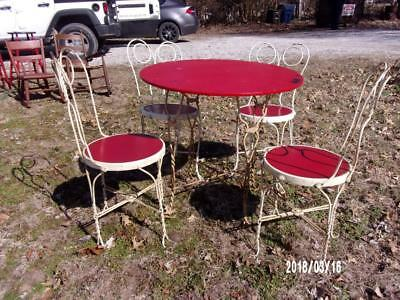 Antique Vintage Ice Cream Soda Fountain Table & 4 chairs - Old Red & White Paint