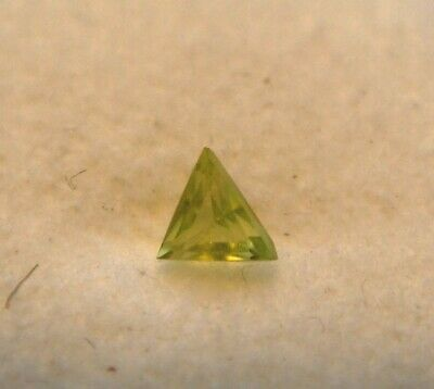 Peridot Triangular Cut Gemstone 4 mm x 4 mm 0.20 Carat Natural Gem