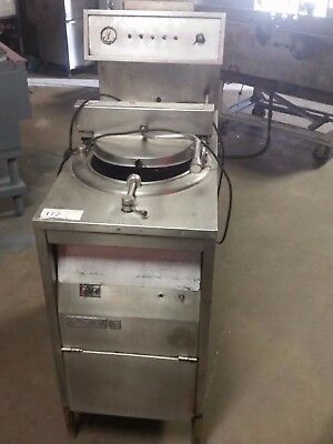 Broaster 1800 E Electric Pressure Fryer