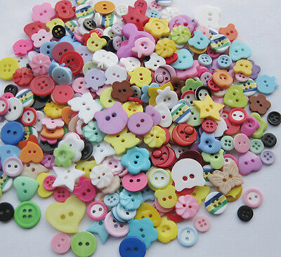 100pcs Lots mix Assort Plastic Buttons Scrapbooking Sewing Craft Appliques F647