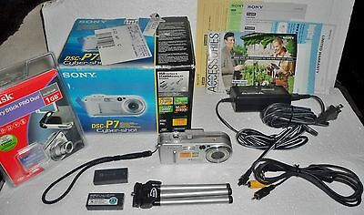 Sony Cyber-shot DSC-P7 3.2 MP Digital Camera - Silver With Box TESTED WORKS, LOT