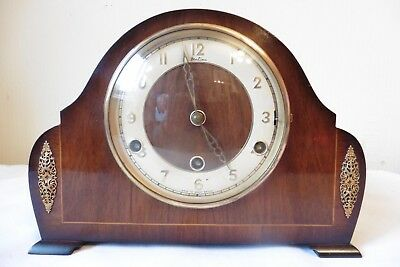 Fine Example Of A Vintage Perivale Westminster Chiming  Mantle Clock (Working)..